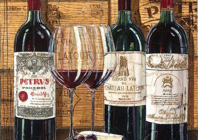 Tableau avec fond de caisse de vin et bouteilles pour une grande occasion