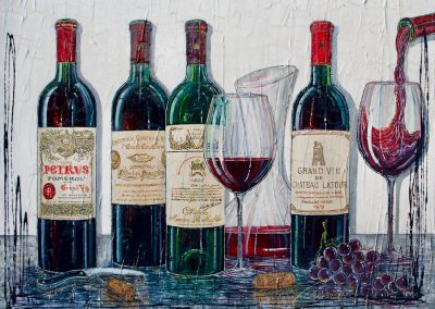 Soirée avec des bouteilles de vin de prestiges, carafe et verres