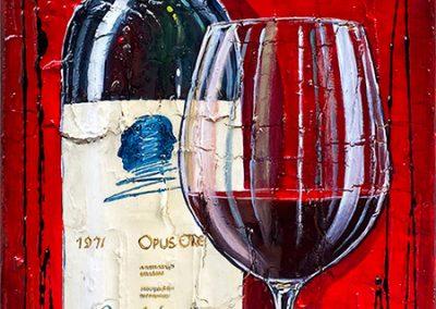 Bouteille de vin californien Opus One avec un verre de vin