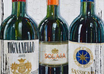 Zoom sur des bouteilles de vins rouges italiens, Tignanello, Solaia, Sassicaia