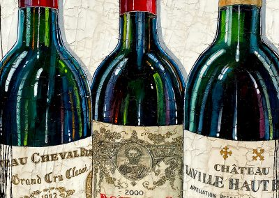 Gros plan sur bouteilles de vins de renommée internationale