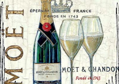 Bouteille de Moët et Chandon avec deux coupes et marquage à la feuille d'or